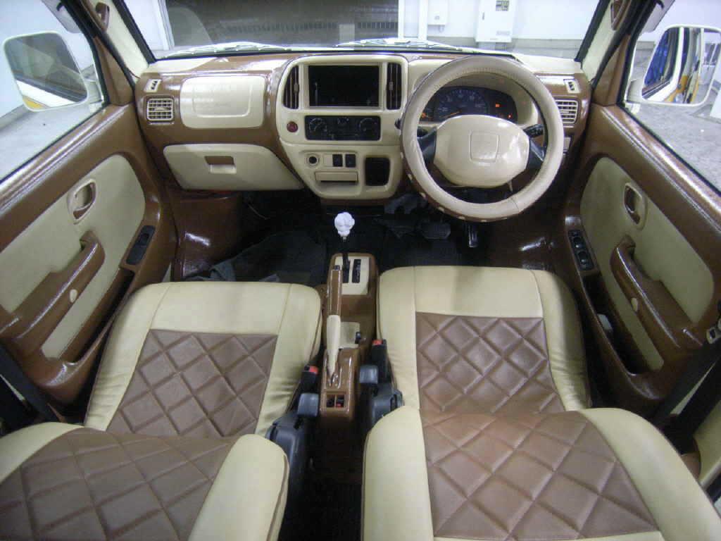 suzuki every vw minibus interior